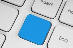 在关键董事会的空白蓝色按钮 免版税库存图片