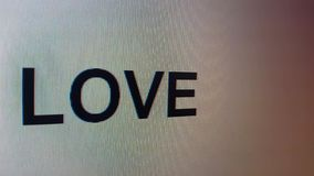 `在关闭的屏幕上被键入的爱`  股票视频