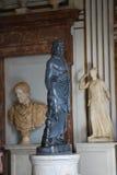 在其中一间Capitoline博物馆的屋子里面在罗马 库存图片