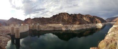 在内华达和亚利桑那,黑峡谷的边界的水力发电的发电器 库存图片