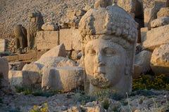 在内姆鲁特山的石女神头 免版税库存图片