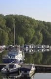 在内河港的小船 库存图片