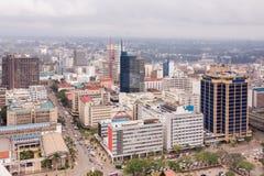 在内罗毕中心商务区的顶视图从肯雅塔国际会议中心停机坪的 库存图片