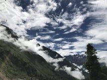 在冈底斯山附近的自然 免版税库存照片
