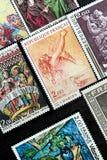 在册页的法国邮票 库存图片