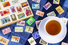 在册页的邮票苏联和波兰 免版税图库摄影