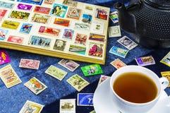 在册页的邮票苏联和波兰 免版税库存图片