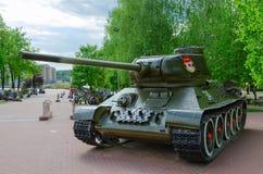 在军事荣耀胡同的坦克T-34在优胜者公园,维帖布斯克 免版税库存图片