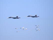 在军事行动的战术轰炸机 库存图片