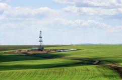 在农业领域中的凿岩机 在视图之上 免版税库存图片
