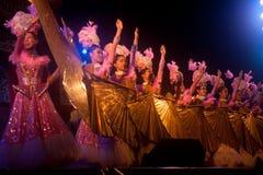 在农历新年的爱好者跳舞。 库存图片