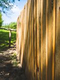 在农场的木篱芭 免版税库存图片