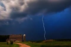 在农场的雷暴 库存照片