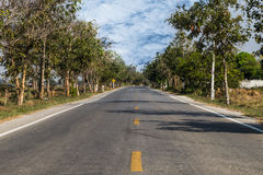 在农村的地方路 库存图片
