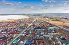 在农村街道上的鸟瞰图 Borovskiy 俄国 免版税图库摄影