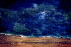 在农田的光亮夜空 免版税库存图片