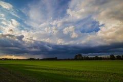 在农田的恶劣的天气 免版税图库摄影