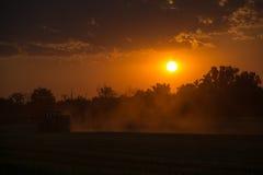 在农田,德国的日落 免版税图库摄影