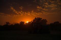 在农田,德国的日落 库存图片