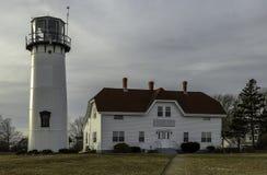 在冬天下午的查塔姆灯塔在日落前 免版税库存图片