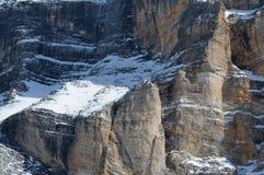 在冬天季节白云岩的Sasso della克罗齐, Val Badia,特伦托自治省-女低音阿迪杰,意大利 免版税库存照片