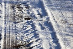 在冬天季节的路 免版税库存照片