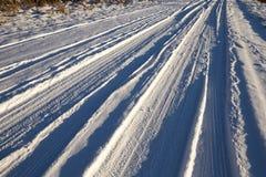 在冬天季节的路 库存照片
