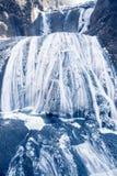 在冬天季节袋田瀑布的冰瀑布 免版税库存照片