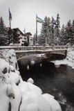 在冬天期间,一座积雪的桥梁在Vail,科罗拉多 库存图片