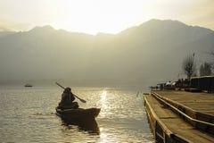 在冬天期间,在Dal湖克什米尔,印度的美丽的景色 库存图片