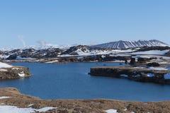 在冬天期间,在Myvatn市附近的冰岛火山在冰岛北部 库存照片