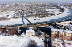 在冬天期间,步行恋人桥梁 秋明州 免版税图库摄影