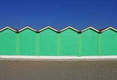 在冬天期间,海滩小屋在福尔泰德伊马尔米 免版税库存图片