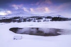 在冬天期间,金黄圈子在冰岛 免版税库存图片