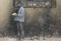 在冬天期间,移民在贝尔格莱德 免版税库存照片