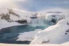 在冬天期间, Godafoss瀑布在冰岛 免版税库存图片