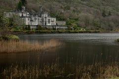 在冬天期间, Kylemore修道院, Connemara,爱尔兰- 库存照片