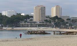 在冬天期间, Magaluf海滩 免版税库存图片