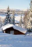 在冬天风景的村庄 免版税图库摄影