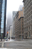 在冬天风暴以后的斯诺伊街道在波士顿, 2016年12月11日的美国 免版税库存照片