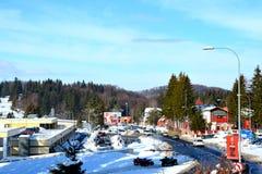 在冬天驻地Poiana布拉索夫,特兰西瓦尼亚的典型的风景 库存图片