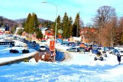 在冬天驻地Poiana布拉索夫,特兰西瓦尼亚的典型的风景 库存照片