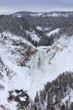 在冬天结冰的上部黄石河 免版税库存照片