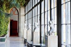 在冬景花园的雕象在沃龙佐夫宫殿 库存图片