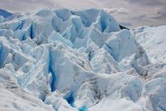 在冰冰川的结构在佩里托莫雷诺 库存图片