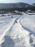 在冰小山下 免版税库存照片