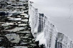 在冰山表之上 免版税图库摄影