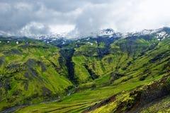 在冰岛- Seljvallalaug的最旧的水池 免版税库存照片