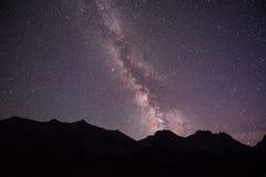 在冰川国家公园的银河 免版税库存照片