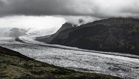 在冰川舌头的剧烈的看法 免版税库存图片